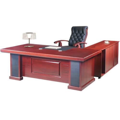 bàn làm việc của giám đốc