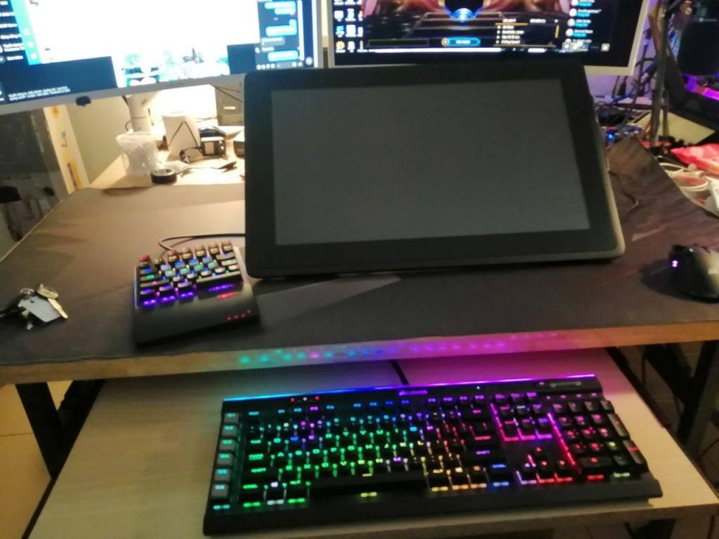 Khay để trượt bàn phím