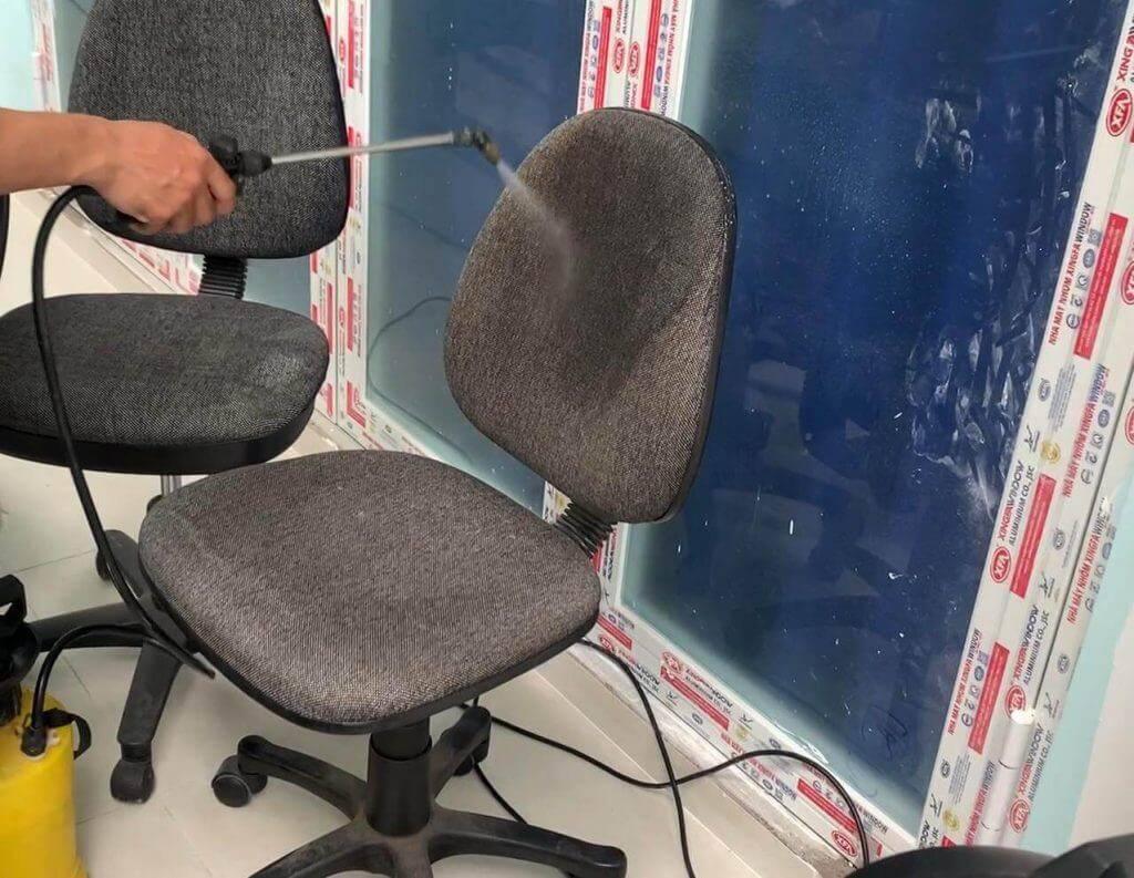 Vệ sinh ghế xoay giá rẻ